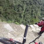 Andando pela estrada mais perigosa do mundo…. de bike!