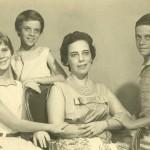 Zuzu com os filhos, Hildegard, Ana Cristina e Stuart