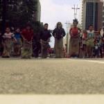 Brincadeiras de rua na Avenida Paulista